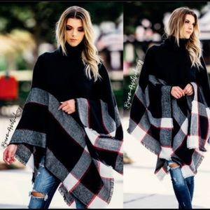 PLAID TURTLENECK PONCHO-LAST ONE ☝️